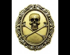 Skull Medallion Pin