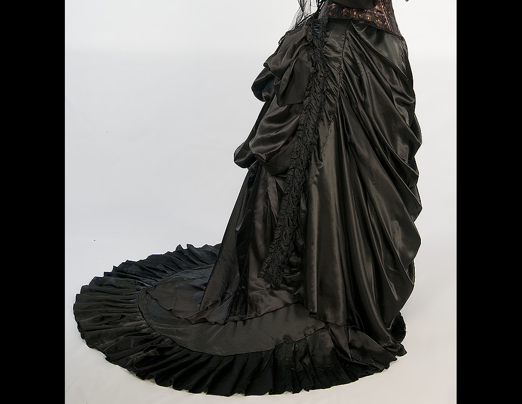 1869 Bustle Skirt Dress Like A Pirate